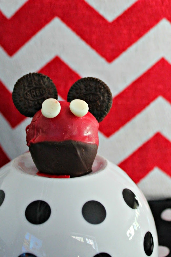 Mickey Mouse Oreo Cookie Ball