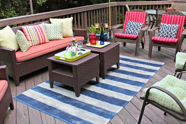 Back Porch Deck orating Southern State of Mind