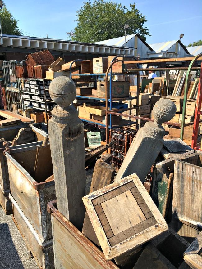 scotts-market-outside