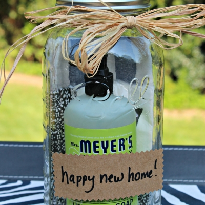 {Simple Gifting} 10 Mrs. Meyer's Gift Basket Ideas